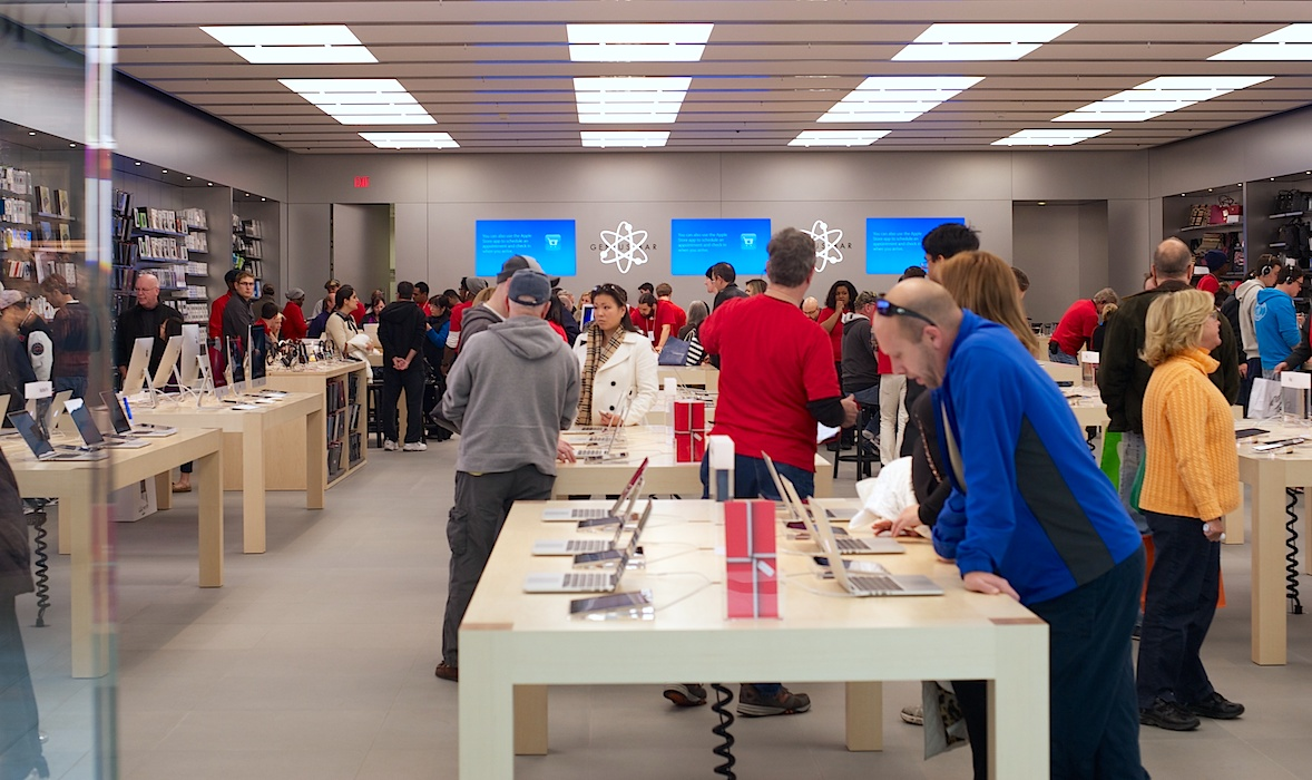 blog apple store not worried about ripoff by microsoft - Storefront