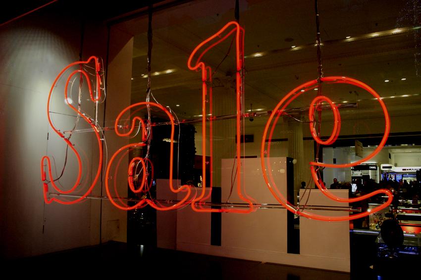 retail sale window display