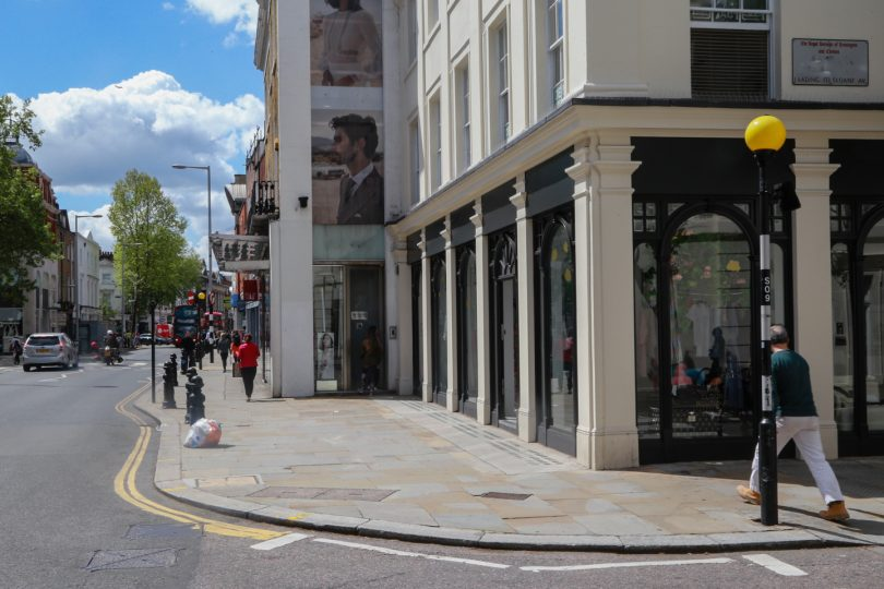 a9344bf053596 Here's How 6 Brands Took Over Chelsea, London - Storefront Blog